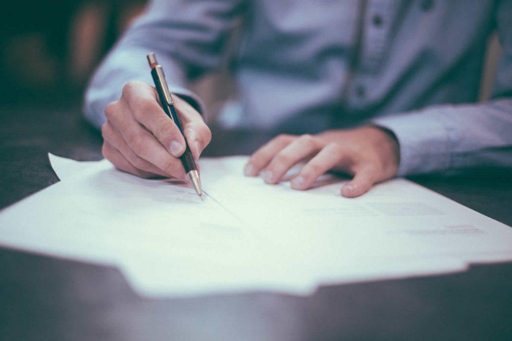 Secrets To Writing Kick Ass LinkedIn Content That Generates Big Business